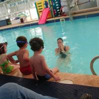 kinderen leren zwemmen